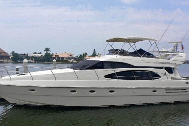 Charter Yacht Azimut 58 - 3 Cabins - Cancun - Isla Mujeres - Playa Del Carmen