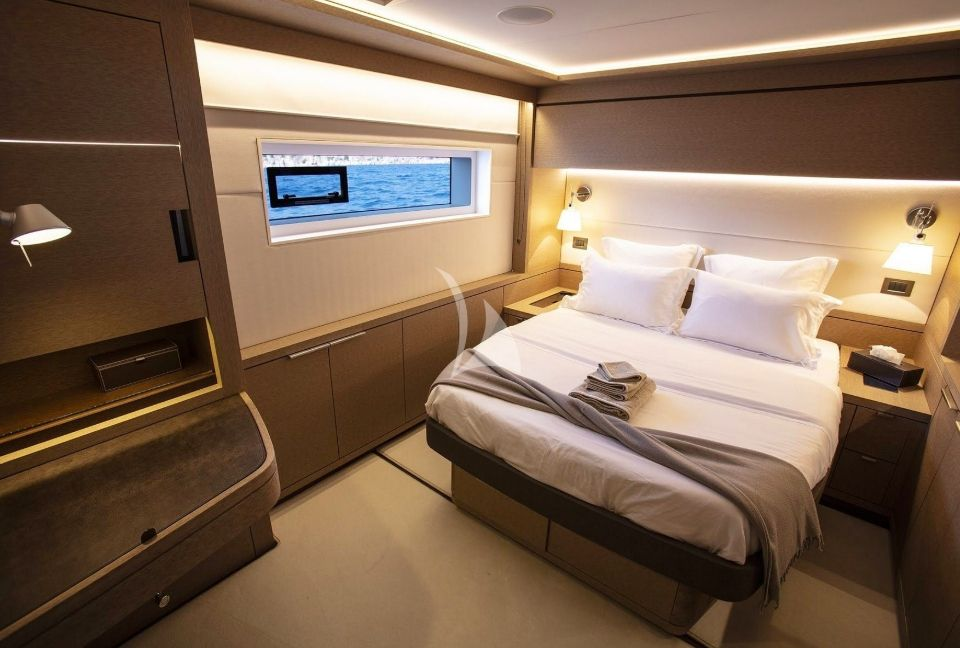 Aft Starboard Cabin Low
