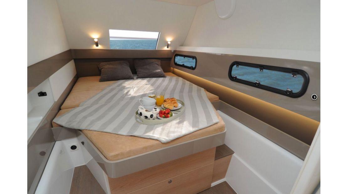 Bali 4.1 Bow Cabin