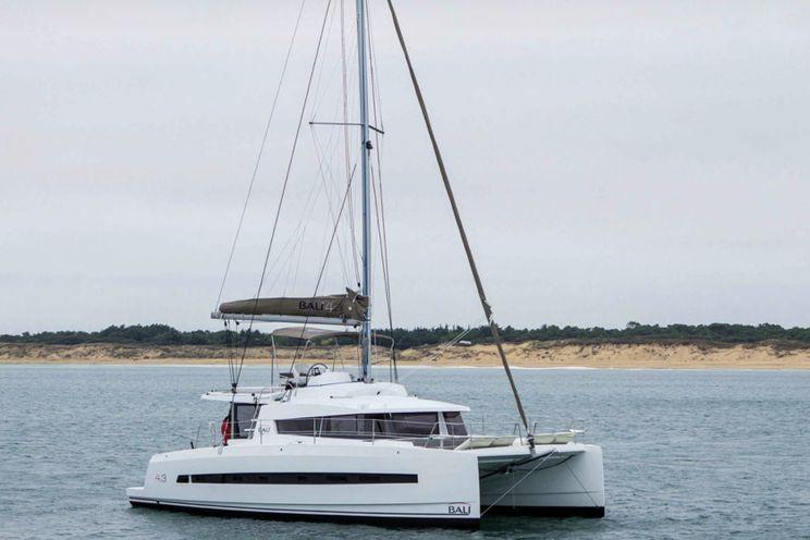 Charter Yacht Bali 4.3 - 4 + 2 Cabins (4 Double 2 Single) - 2018 - Nassau - Exumas - Bahamas