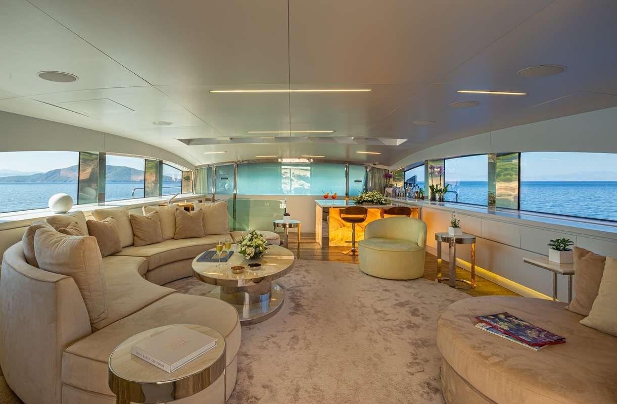 BARENTS SEA Yacht Upper Saloon