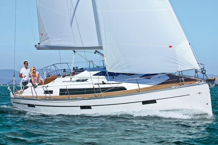 Charter Yacht Bavaria 37 - 2016 - 3 Cabins - Sicily