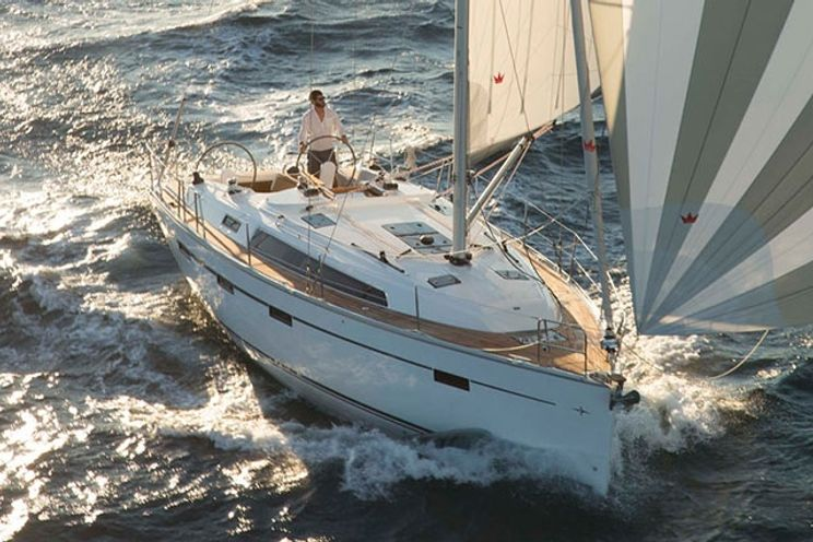 Charter Yacht Bavaria 41 Cruiser (2014) - 3 Cabins - Athens
