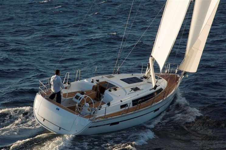 Charter Yacht Bavaria Cruiser 37 - 3 Cabins - Palermo - Sicily