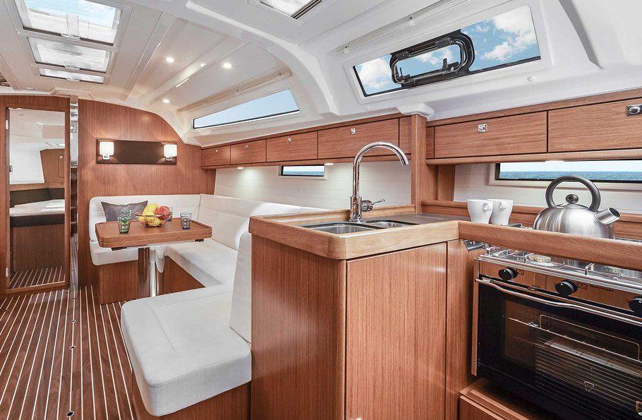 Bavaria 41 Cruiser Salon