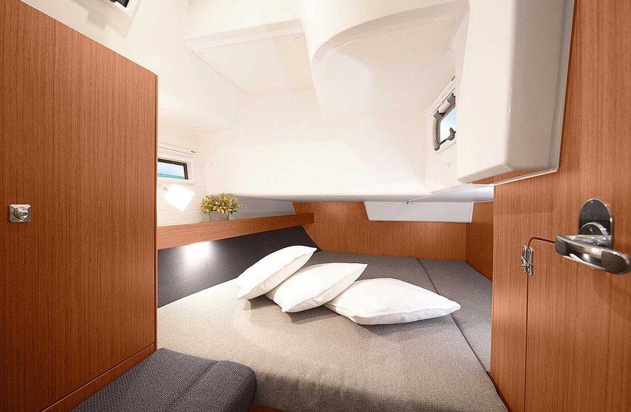 Bavaria 41 Cruiser Cabin
