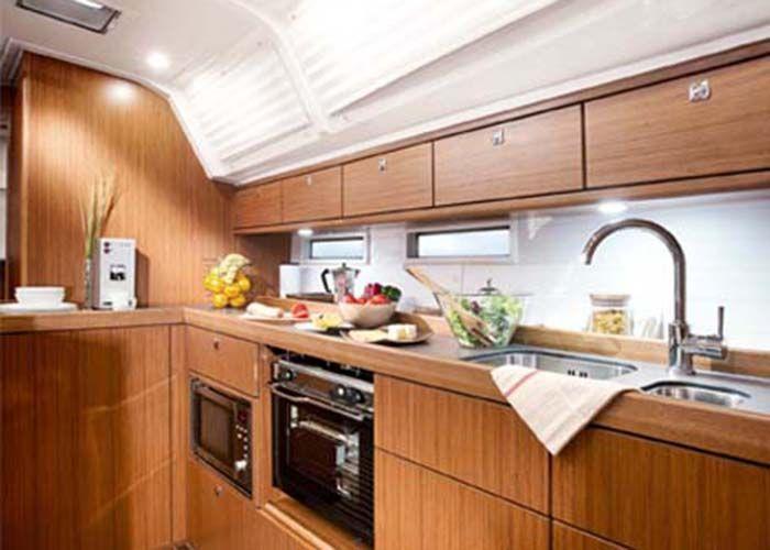 Bavaria 46 - Kitchen