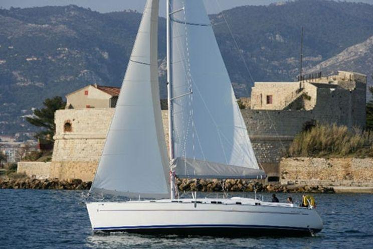 Charter Yacht Beneteau Cyclades 43.4 - 4 Cabins - Malta