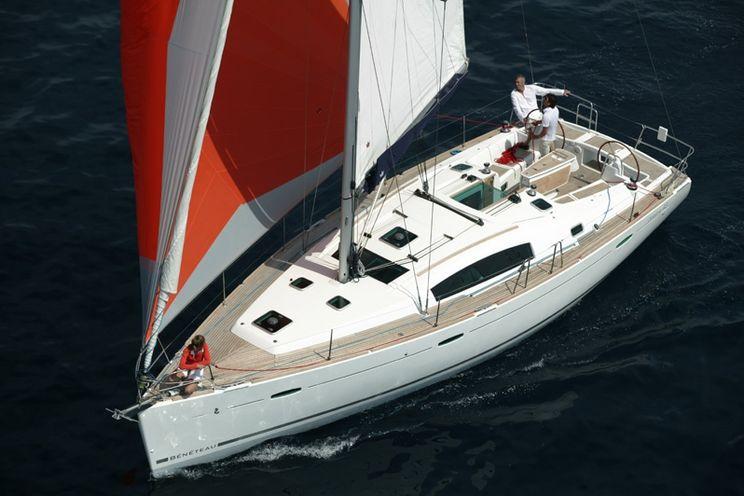 Charter Yacht Beneteau Oceanis 43 - 4 Cabins - Puntone - Portorosa
