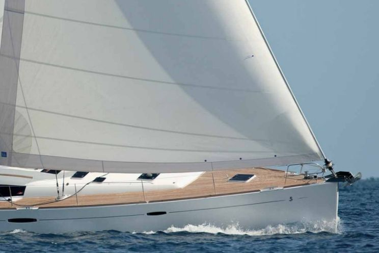 Charter Yacht Beneteau Oceanis 54 - 4+1 Cabins - Lavrion, Greece