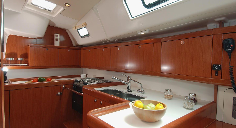 Beneteau Oceanis 43 Kitchen