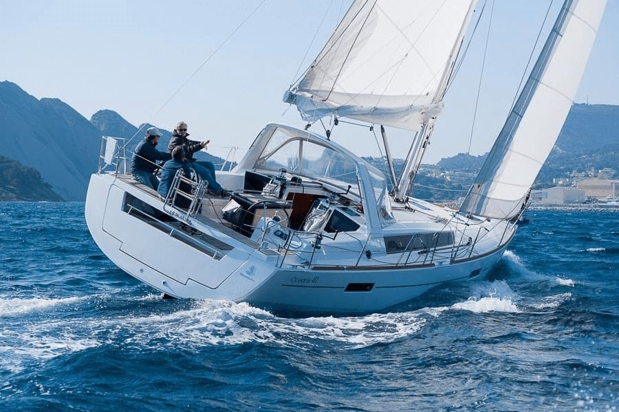 Beneteau Oceanis 41 Sailing