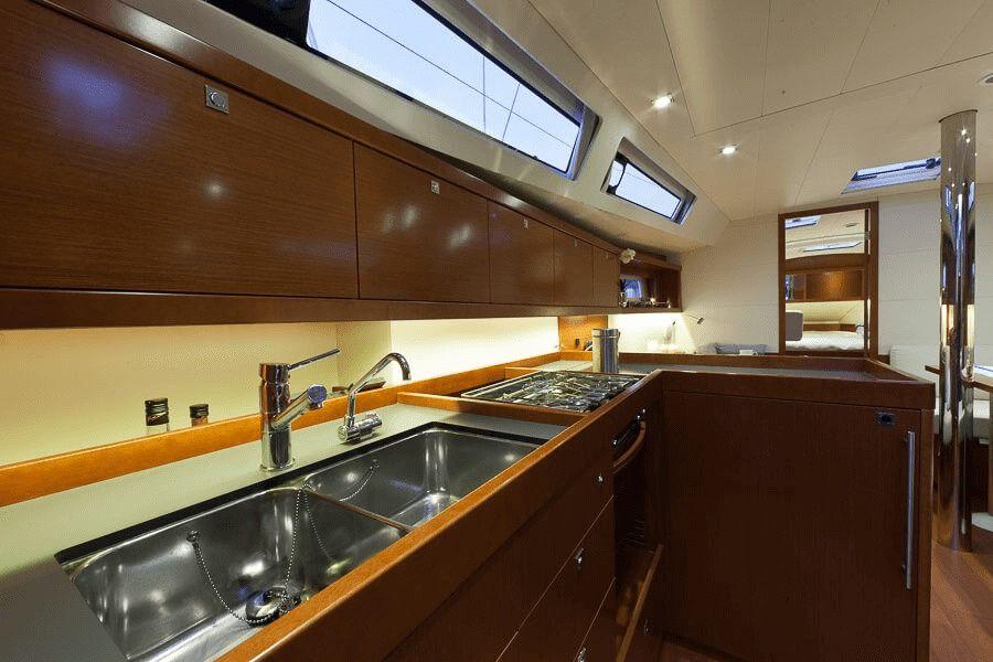 Beneteau Oceanis 41 Kitchen