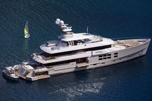 BIG FISH - McMullen and Wing 45m - 5 Cabins - Tahiti - South Pacific