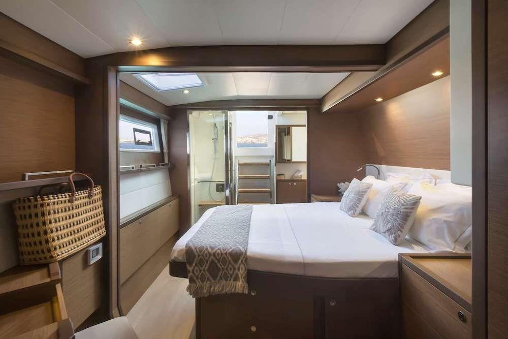 Crewed Catamaran BOOM Master Suite