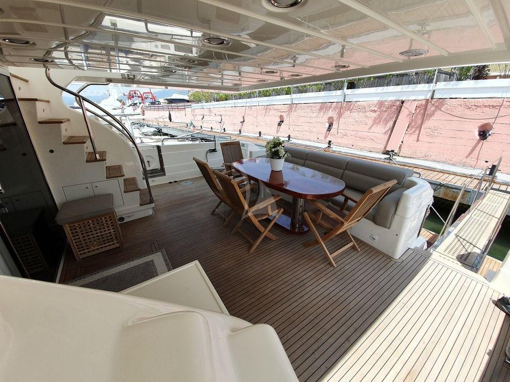 BOOMERAND IV - Aft deck