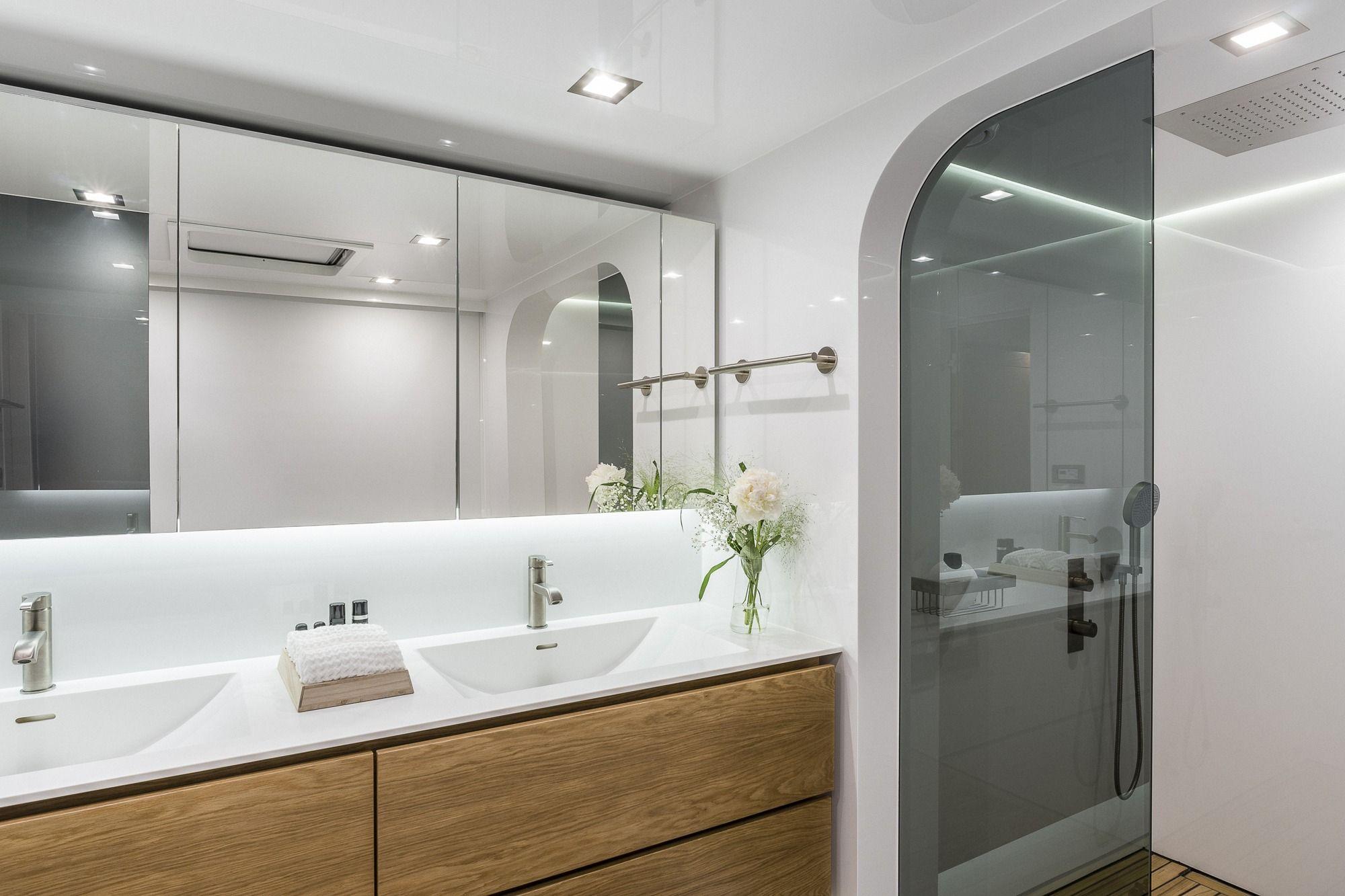 CALMAO Sunreef 74 Luxury Catamaran Master Bathroom