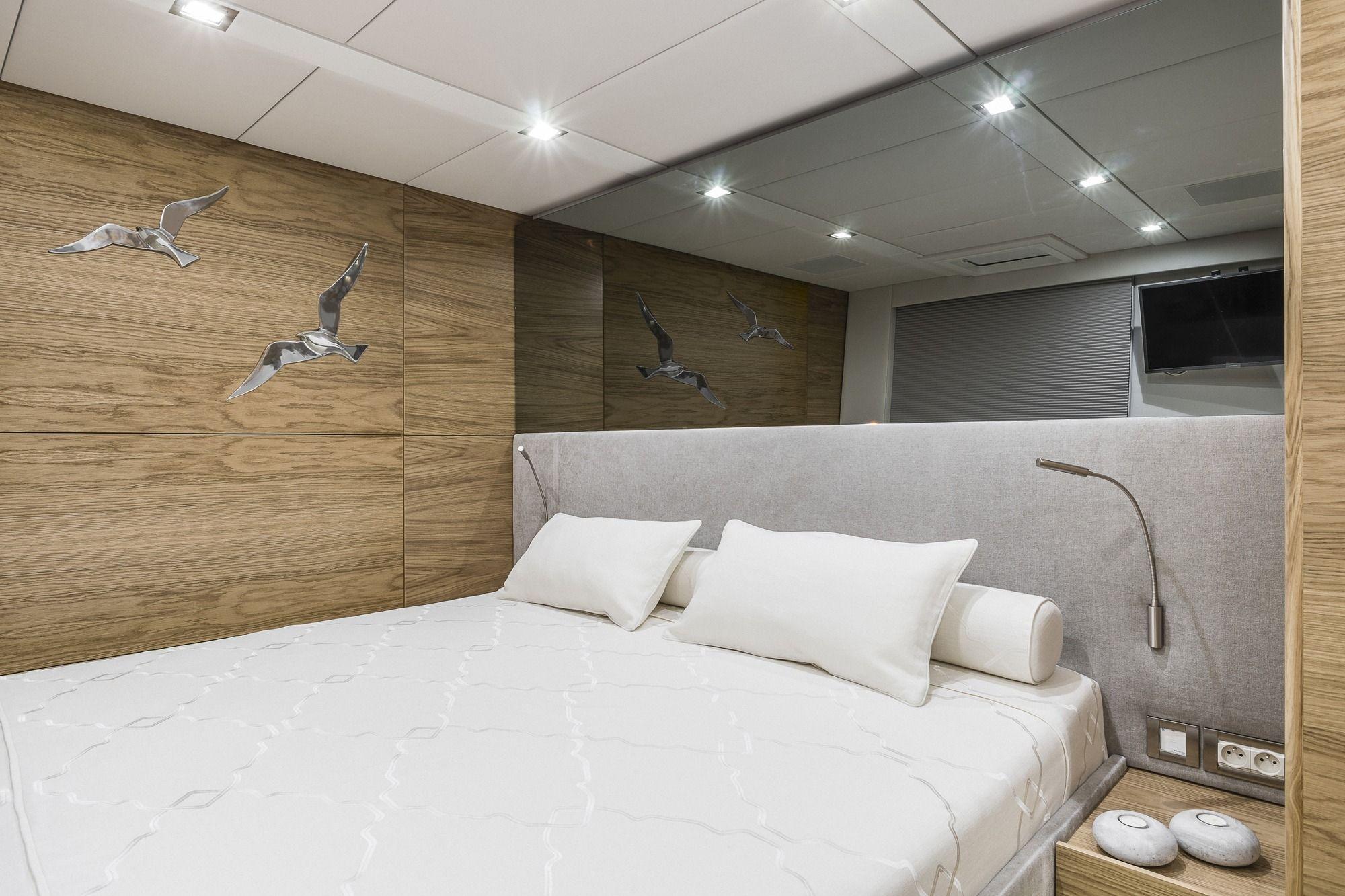 CALMAO Sunreef 74 Luxury Catamaran Master Cabin