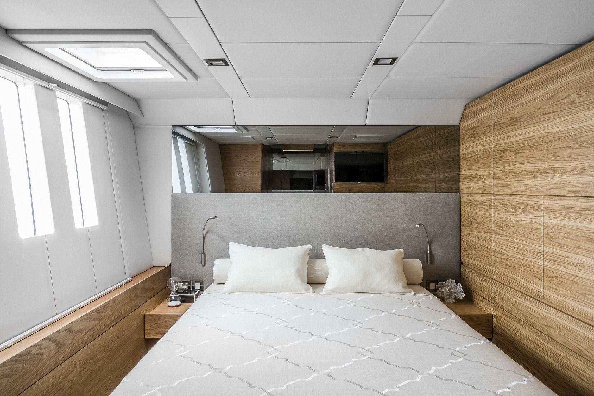 CALMAO Sunreef 74 Luxury Catamaran Double Cabin