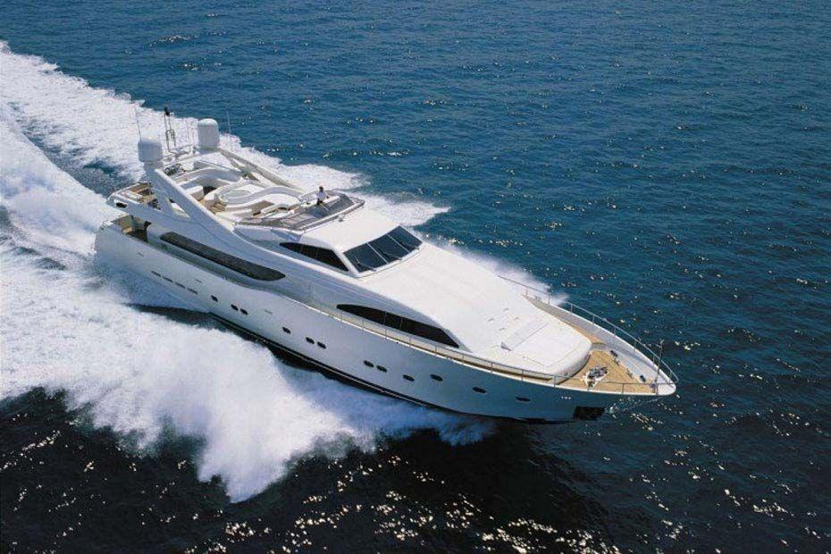 CAMARIK - Custom Line Ferretti 34m - Marina Ibiza - Formentera - San Antonio - Palma