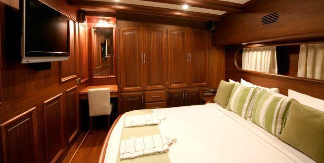 CANER 4 Cabin