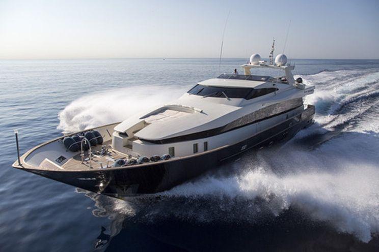 Charter Yacht CAPPUCCINO - 33m - 5 Cabins - Monaco - Cannes -Saint Tropez