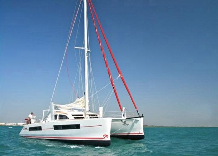 Catana 47 with watermaker and AC - 6 Cabins - Tahiti,Bora Bora and the South Pacific