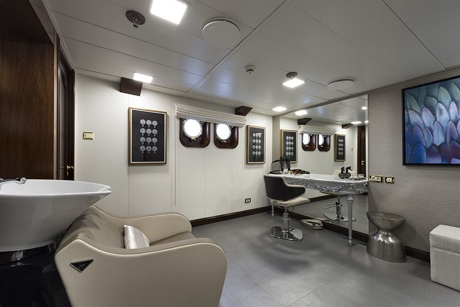 CHAKRA Devonport 282 Hair Salon