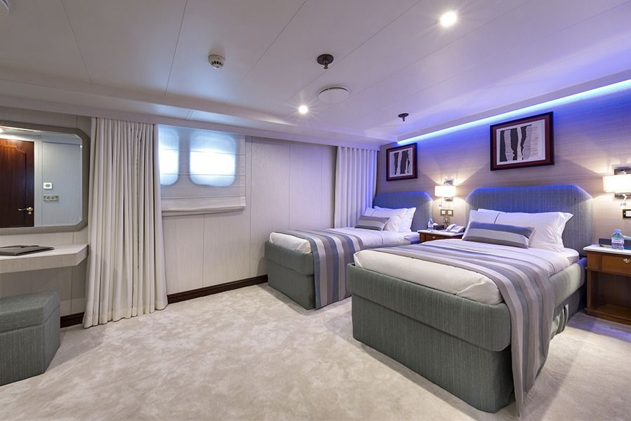 CHAKRA Devonport 282 Twin Cabin