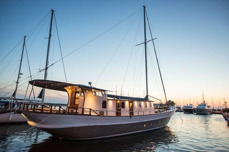 Charter Yacht COSMOS - Mavrikos 81 - 4 Cabins - Athens - Mykonos - Paros - Naxos