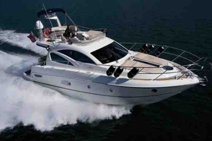 Charter Yacht Cranchi 43 - 2 Cabins - Miami Day Boat Rental - Miami - South Beach - Biscayne Bay
