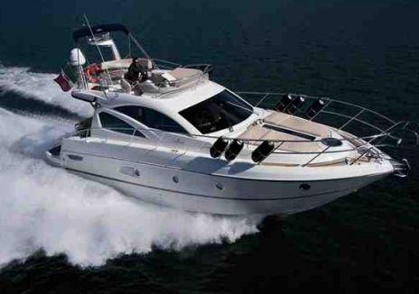 Cranchi 43 - 2 Cabins - Miami Day Boat Rental - Miami - South Beach - Biscayne Bay