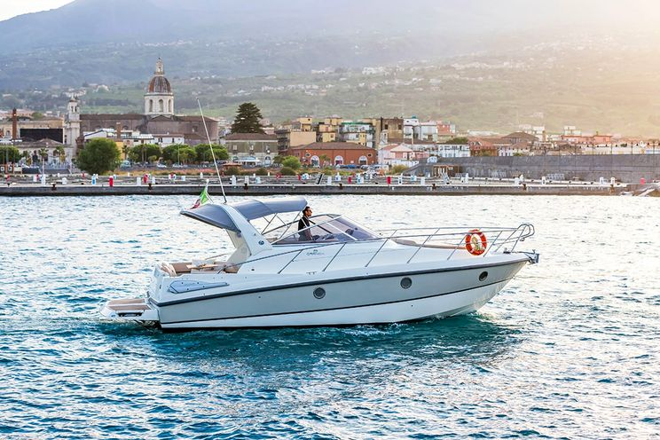 Charter Yacht Cranchi Zaffiro 32 - Taormina - Acitrezza - Siracusa - Lipari