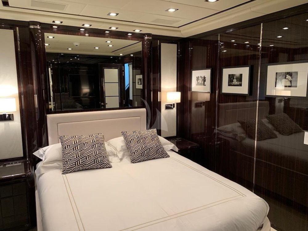 CRAZY - Guest suite