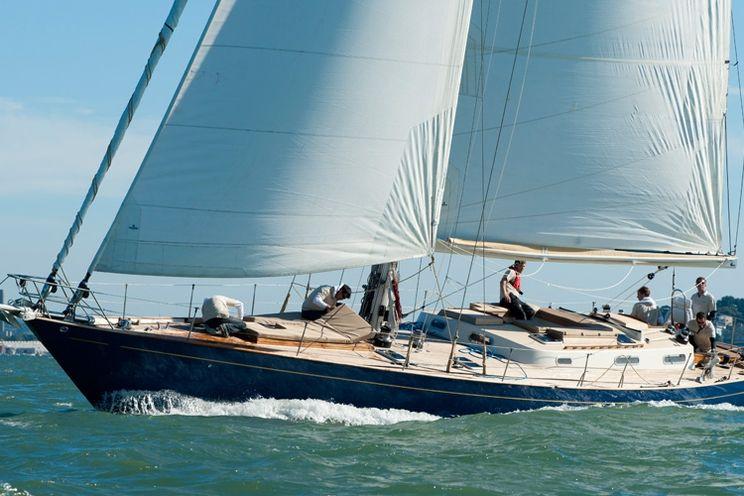 Charter Yacht Crusade 64 - Classic - Day Charter - Southampton