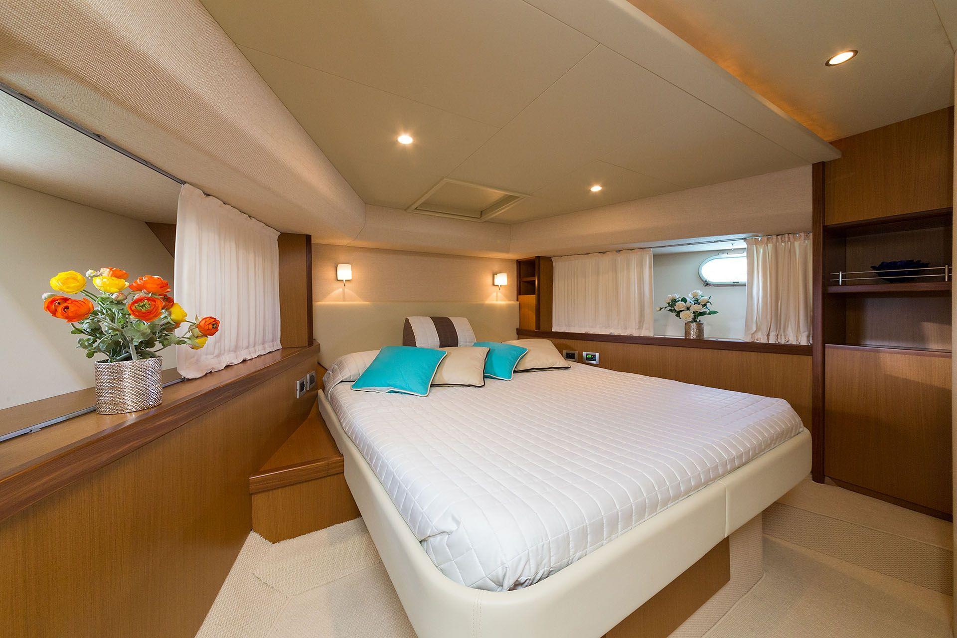 D`ARTAGNAN Ferretti 630 Luxury Motoryacht VIP Cabin