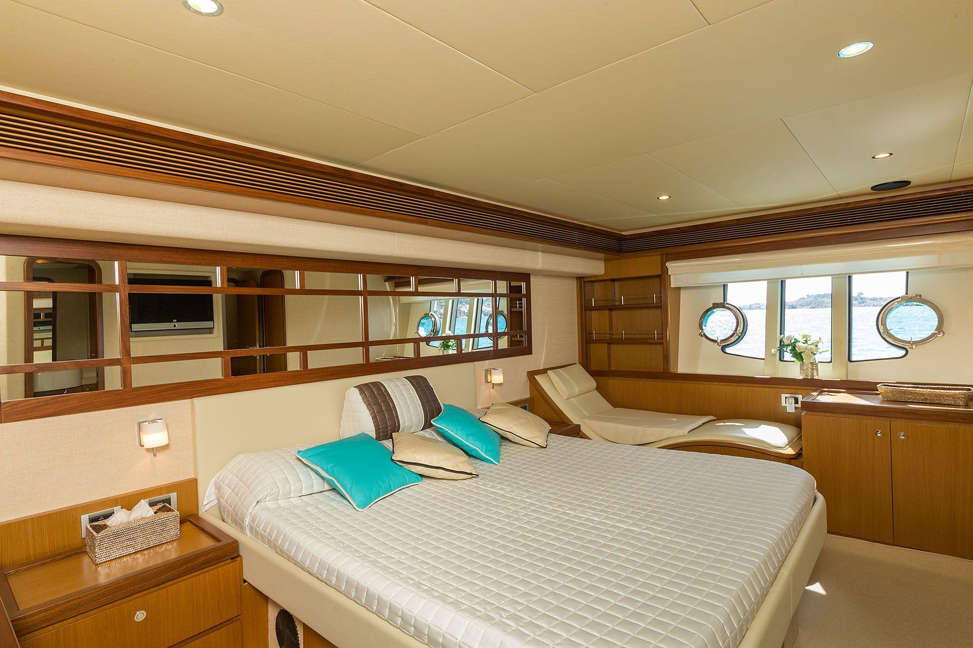 D`ARTAGNAN Ferretti 630 Luxury Motoryacht Main Cabin