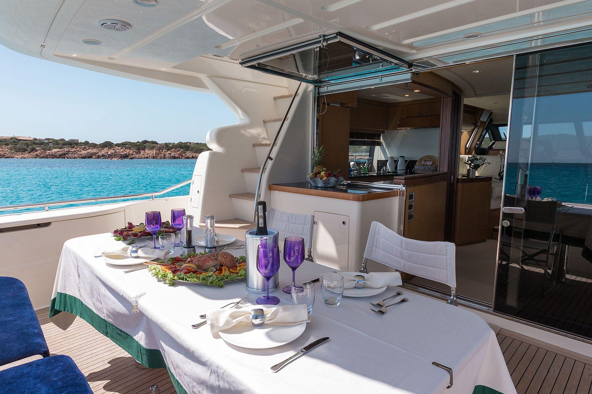 D`ARTAGNAN Ferretti 630 Luxury Motoryacht Al Fresco Dining