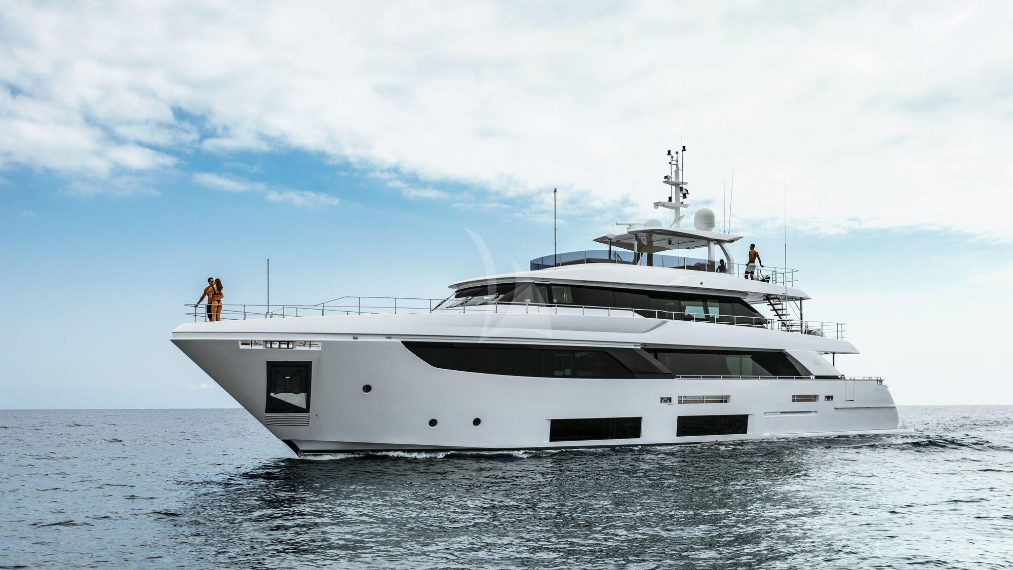 DECEMBER SIX - Ferretti 33m Navetta - 5 Cabins - Cannes - Monaco - French Riviera