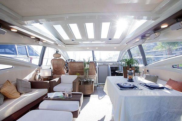 DONNA LOKA - Crewed Motor Yacht - Saloon