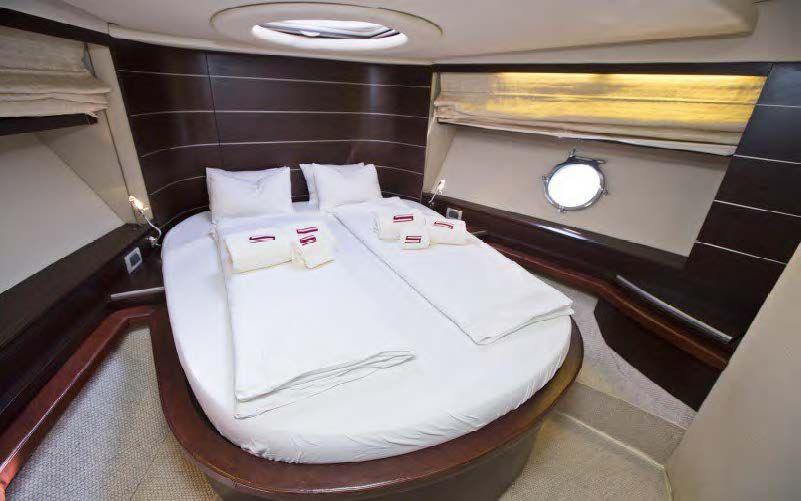 DONNA LOKA - Crewed Motor Yacht - VIP Cabin