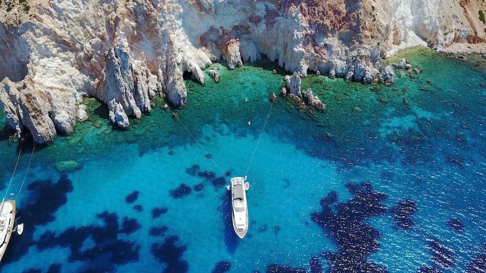 DRAGON Motor Yacht Greece Anchorage