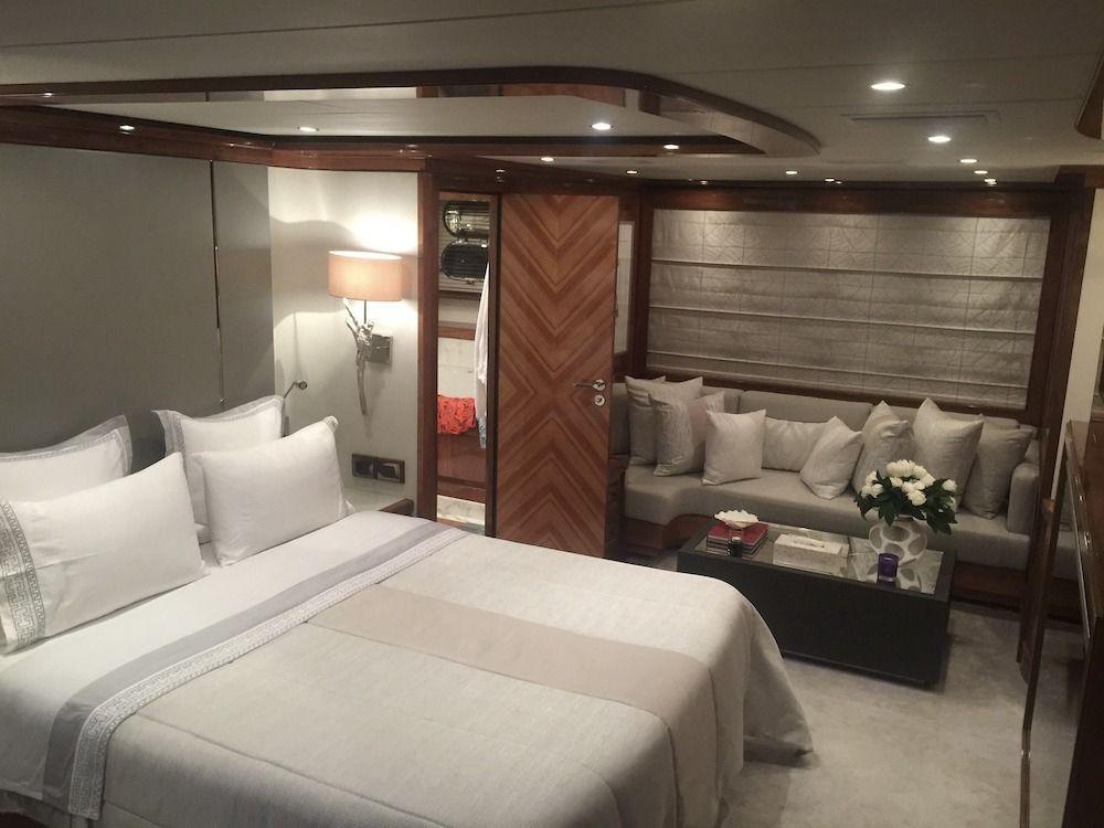 DRAGON Motor Yacht Master Suite