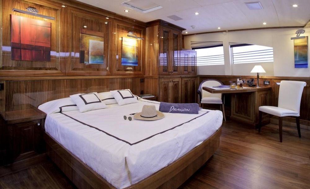 DRAGON Motor Yacht VIP Cabin