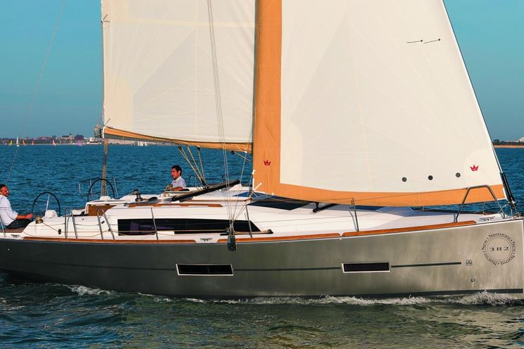 Charter Yacht Dufour 382 - 3 cabins - Antibes