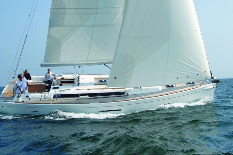 Charter Yacht Dufour 450 - 2014 - 3 Cabins