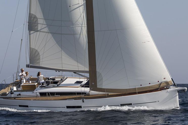 Charter Yacht Dufour 460 5 cabins(4 double + 1 twin)- 2019 - Port Pin Rolland