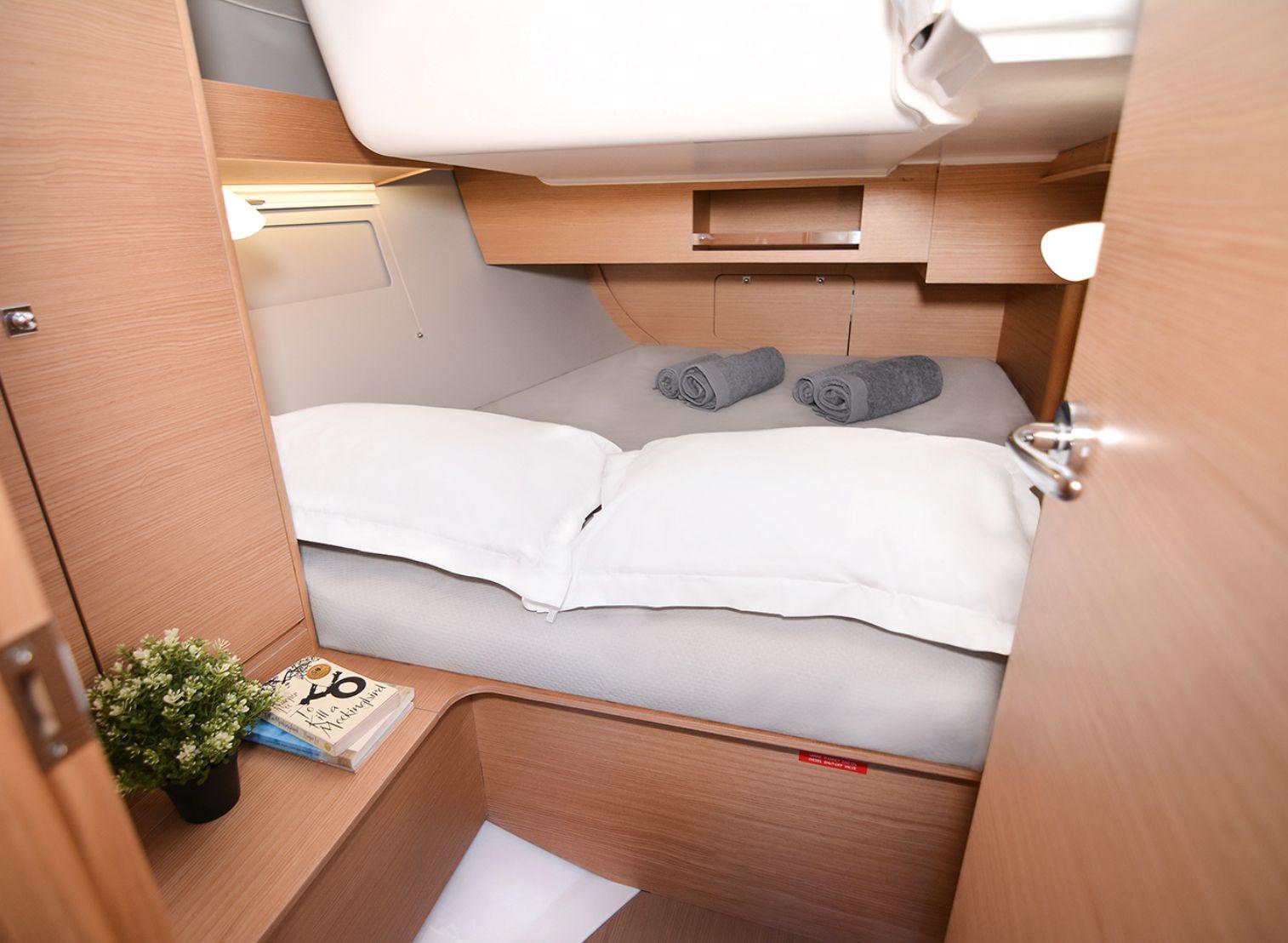 Dufour 390GL Cabin