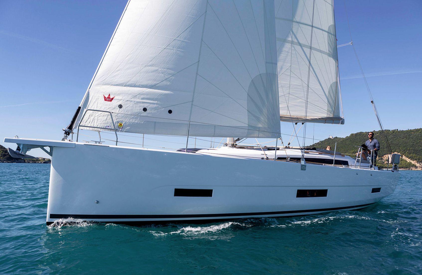 Dufour 390GL Sailing