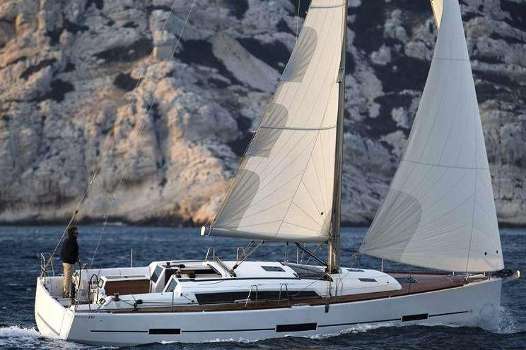 Charter Yacht Dufour 405 Grand Large - 3 Cabins - Grenada